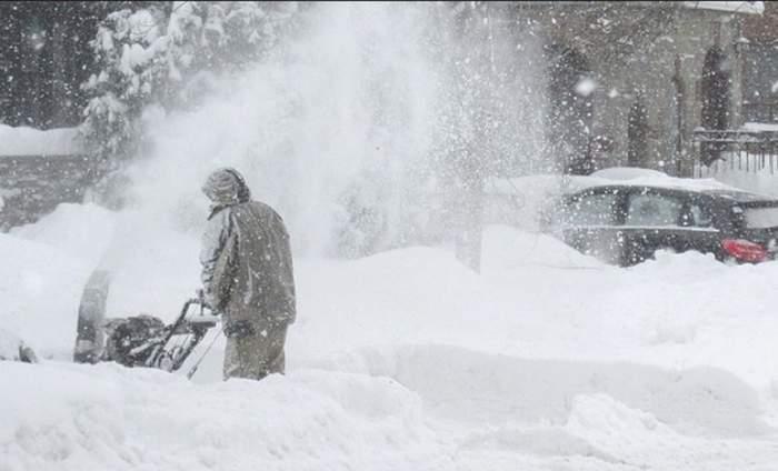 Vremea nu se joacă! Ger de îngheaţă pietrele în toată ţara şi val de ninsori peste România!