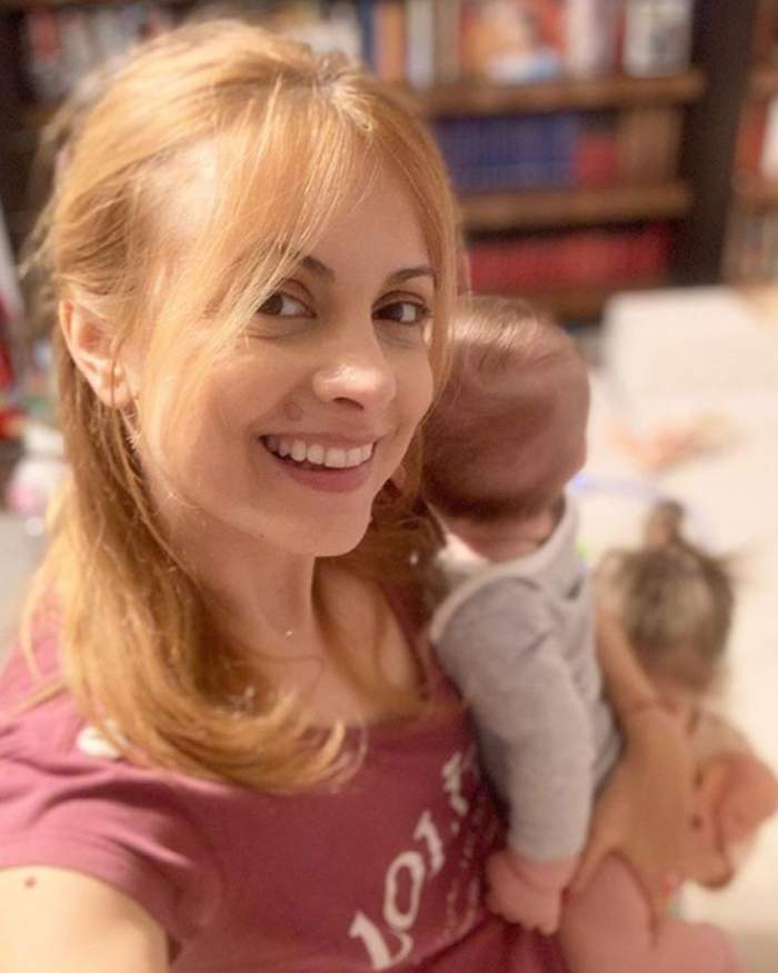 """Băieţelul Simonei Gherghe a împlinit cinci luni. """"Bebe creşte"""""""