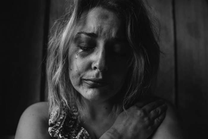 Tragedie fără margini. O femeie şi-a găsit cei doi copii spânzuraţi, în subsolul casei