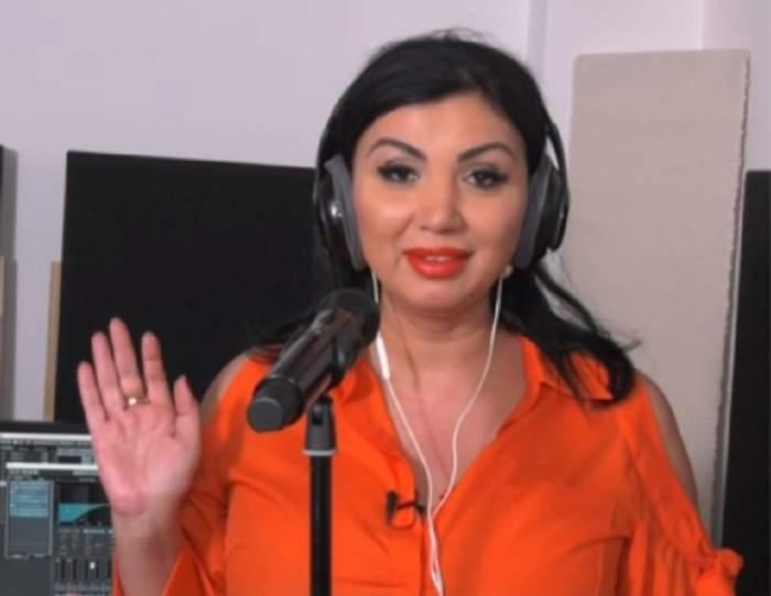 Adriana Bahmuţeanu s-a apucat de cântat! Are sau nu ureche muzicală? Aşa sună! VIDEO