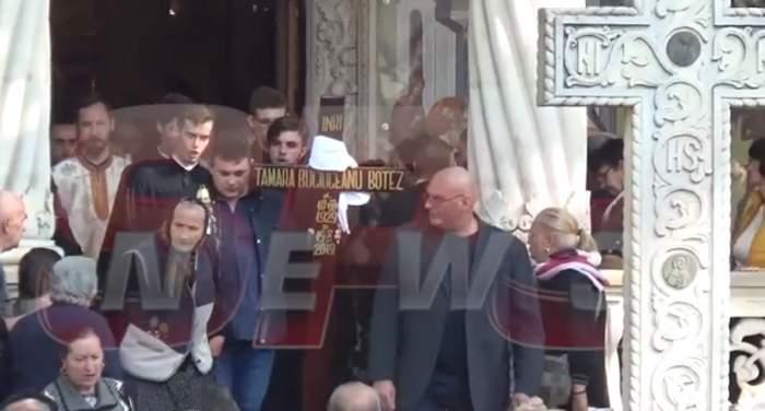 Sicriul cu trupul Tamarei Buciuceanu a ajuns la cimitir, în aplauzele oamenilor. VIDEO / UPDATE
