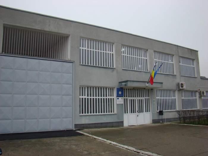 Criminalul care a îngrozit România i-a făcut K.O. pe gardieni / Face legea în puşcărie