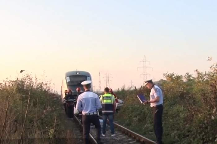 Tragedie în Dâmboviţa! Doi soţi au murit, după ce maşina lor a fost spulberată de tren