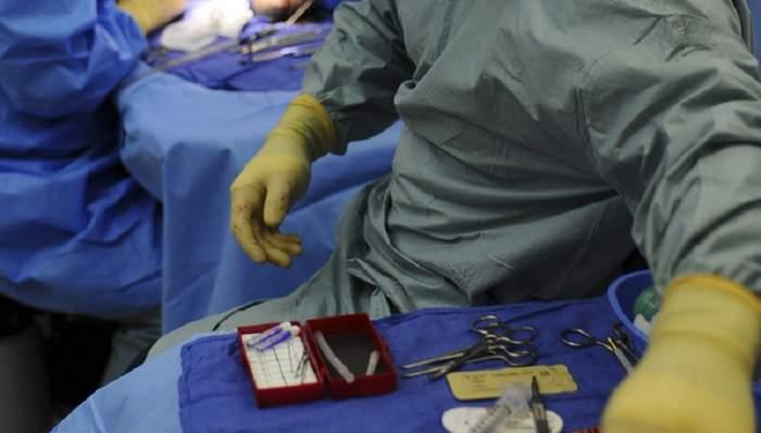 Din dormitor, la spital! O femeie din Focşani a ajuns pe masa ginecologilor. Ce au găsit aceştia, de-a dreptul şocant