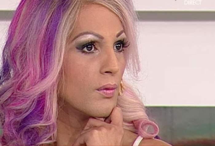 Îl mai țineți minte pe Naomi, transsexualul implicat în multe scandaluri TV? Cu ce ocupă acum, la vârsta de 42 de ani
