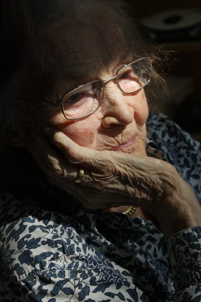 """Un vasluian cere să fie eliberat pentru a-şi îngriji bunica, după ce a batjocorit-o. """"Nu are cine să taie lemne"""""""