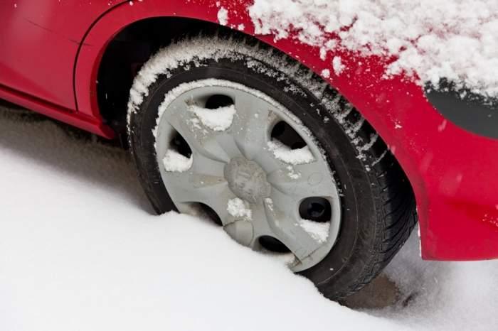 A început sezonul anvelopelor de iarnă. Șoferii riscă amenzi uriașe
