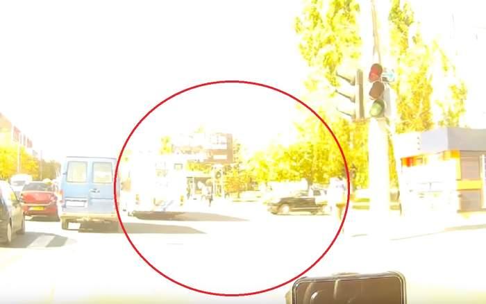 Filmare cu momentul când șoferița din Chișinău intră într-un troleibuz și ucide doi oameni. VIDEO
