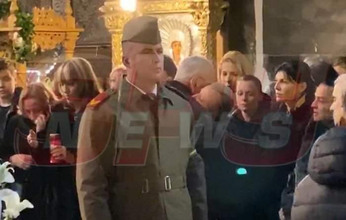 Primele imagini de la înmormântarea lui Mihai Constantinescu. Fosta și actuala soție, în lacrimi lângă sicriu. VIDEO