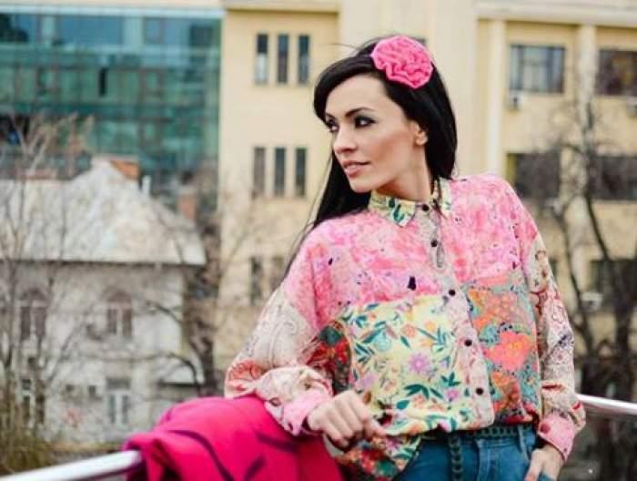 Cum arată Cosmina Păsărin la 18 ani după debutul său în lumea showbiz-ului? De ce a dispărut bruneta de pe micile ecrane