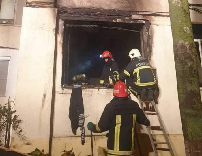 Incendiu puternic la un bloc de locuințe din Galați. Peste 20 de persoane au fost evacuate