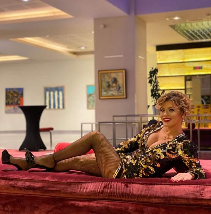 FOTO / Loredana, tu nu îmbătrânești deloc? Cât de sexy s-a afișat artista, la aproape 50 de ani