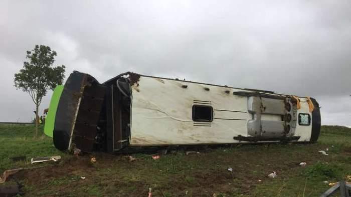 Accident grav în Franța. Un autocar s-a răsturnat lăsând în urmă zeci de victime, printre care și români