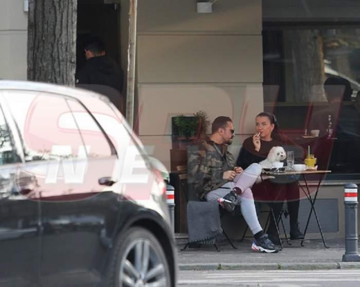 VIDEO PAPARAZZI / Când vine vorba de relaxare, nimeni nu îi întrece! Iată pe unde îşi fac veacul Corneluş Dinu şi soţia sa