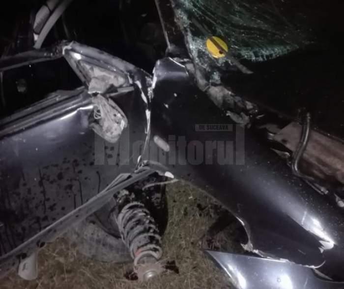 Accident grav lângă Rădăuți! O fată de 14 ani a murit, după ce iubitul ei a intrat cu mașina într-un cap de pod