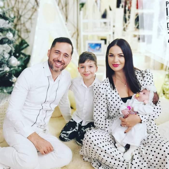 """FOTO / Deea şi Dinu Maxer, primul Crăciun în 4! """"Ei sunt familia mea, totul meu"""""""