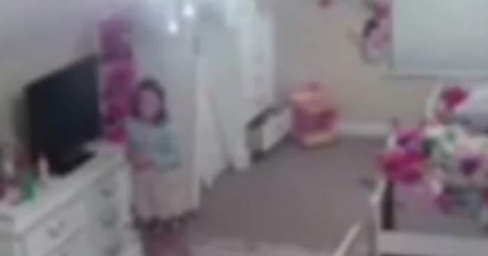 Minoră de 8 ani, victima unui hacker. A spionat-o prin camera de supraveghere din locuință