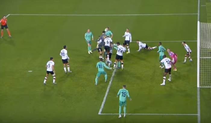 VIDEO / Nebunie la meciul Valencia – Real Madrid! Benzema a egalat în minutul 90+5, cu ajutorul portarului Courtois