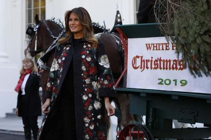 """Casa Albă a îmbrăcat haine de sărbătoare! Melania Trump, """"vinovată"""" de spectacolul de lumini şi ornamente / VIDEO"""