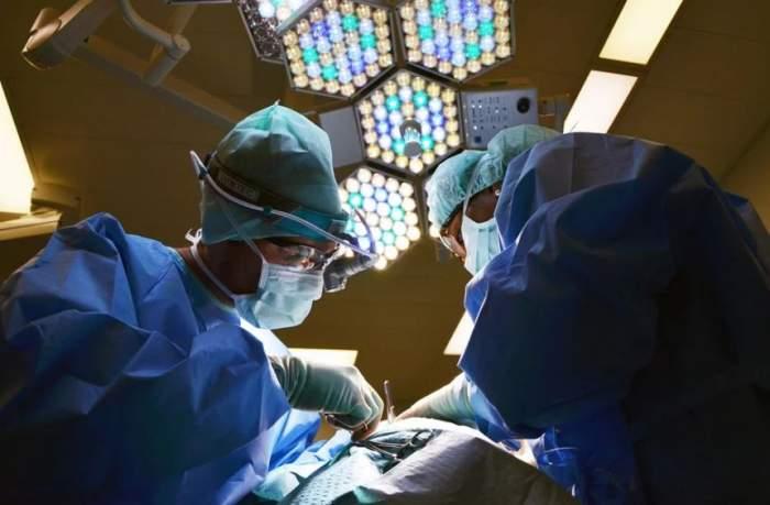 Ultima oră! Spitalul Floreasca a fost suspendat, după ce femeia arsă în sala de operații a murit