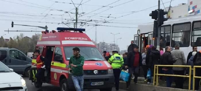 Un bărbat a fost împins în fața tramvaiului la București! S-ar fi certat înainte cu agresorul