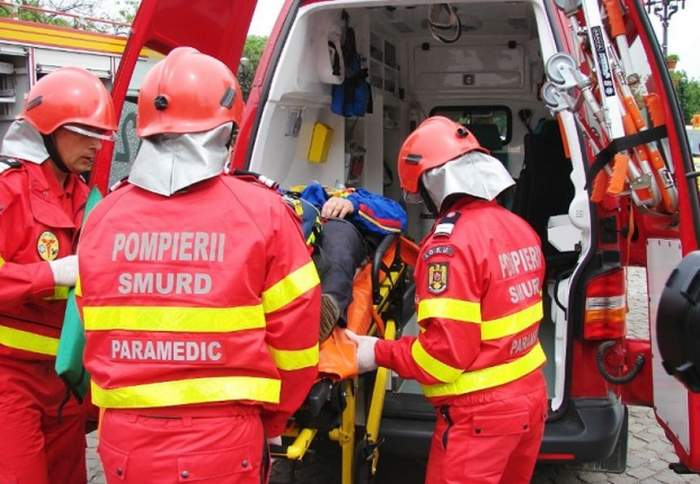 Accident grav, marţi dimineaţă! Un autocamion s-a răsturnat în Ialomiţa. Există pericol de explozie!