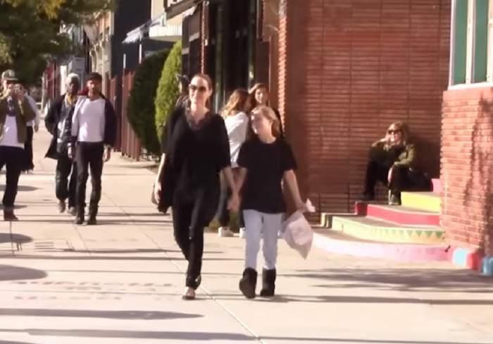 VIDEO / Angelina Jolie strânge portofelul! Actriţa le-a făcut cumpărăturile copiilor de la un discounter
