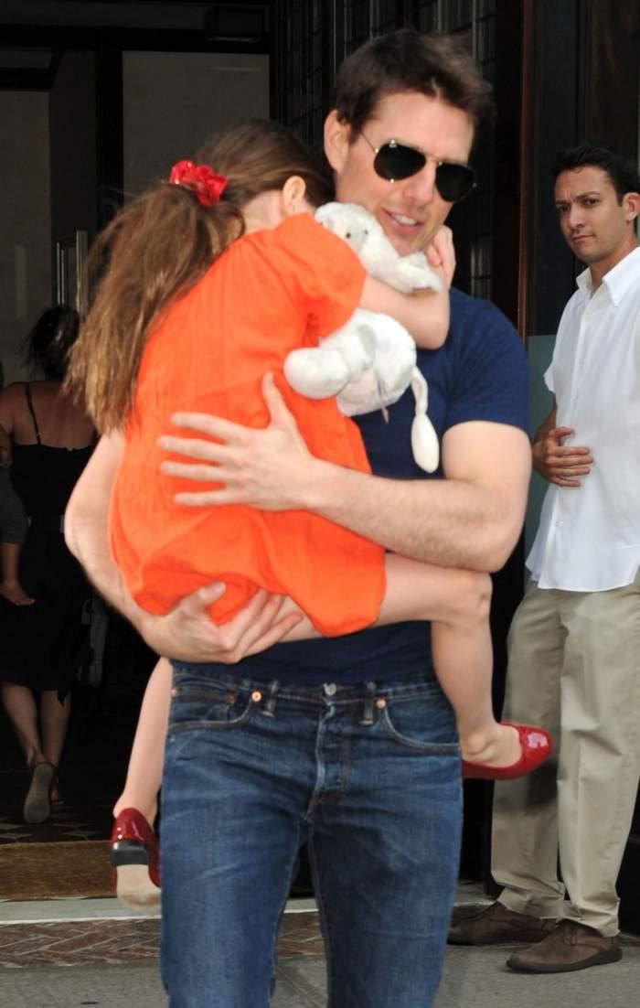 FOTO / Imagine rară cu Suri, fetița lui Tom Cruise! Actorul și-a renegat fiica din cauza religiei