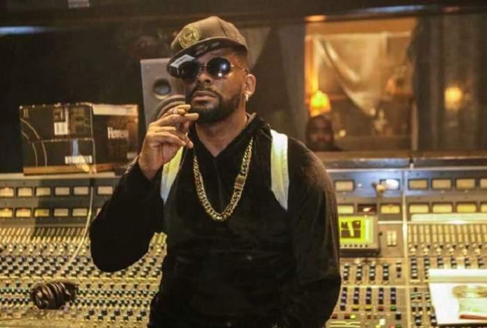 Veste-șoc în showbizul internațional! Rapperul R Kelly a ajuns în spatele gratiilor, sub acuzația de abuzuri sexuale