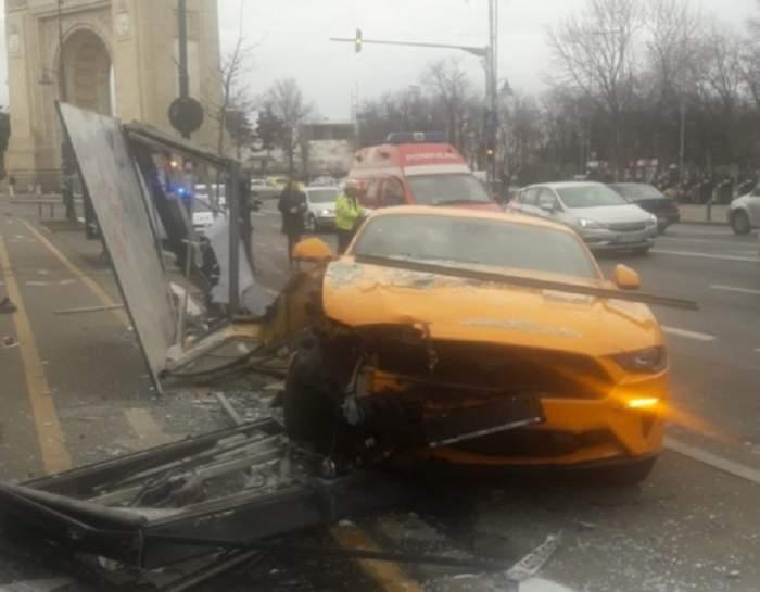 FOTO / Accident grav în București! A intrat în stația STB și a rănit două persoane