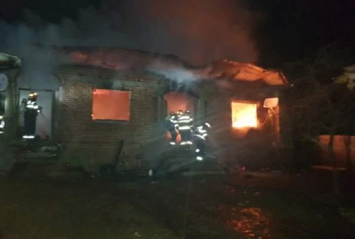 VIDEO / Incendiu cumplit în judeţul Olt, noaptea trecută. Doi oameni au murit carbonizați