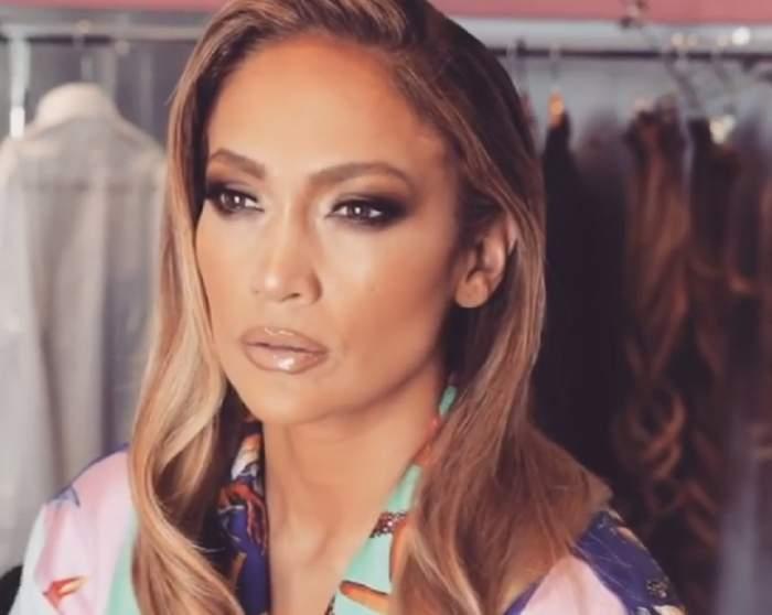 FOTO / La soare te poți uita, dar la ea nu! Jennifer Lopez, în cea mai excentrică ținută, la Gala Premiilor Oscar