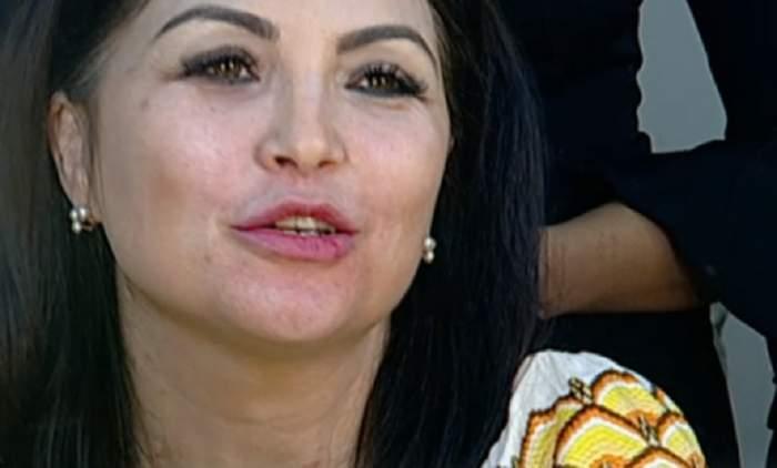 FOTO / Claudia Ghițulescu a acceptat să renunțe la machiaj, în direct! Cum arată interpreta complet naturală