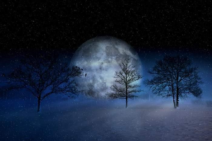 Superlună în februarie 2019. Cum ne afectează noaptea când Luna va fi cel mai aproape de Pământ