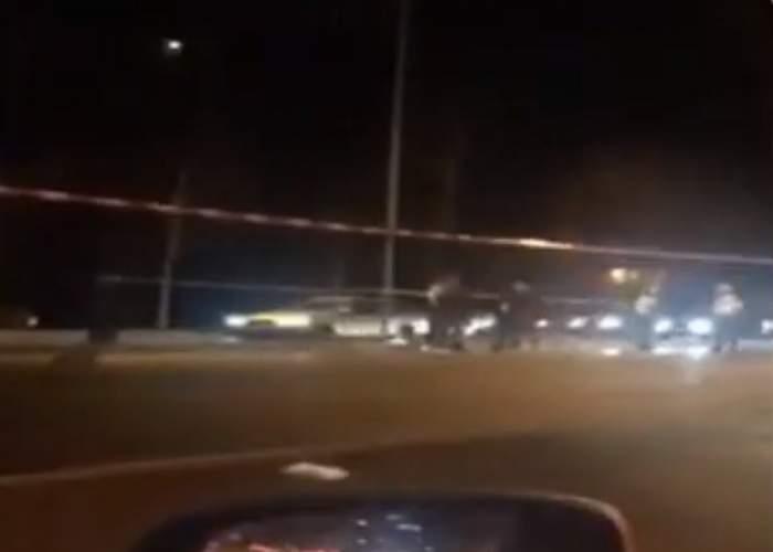 Accident în Bucureşti! O femeie a fost lovită de o maşină de poliţie. VIDEO