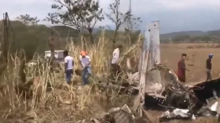 VIDEO / Imagini șocante! Două persoane au murit, după ce avionul în care se aflau s-a prăbușit în timpul unui show aviatic