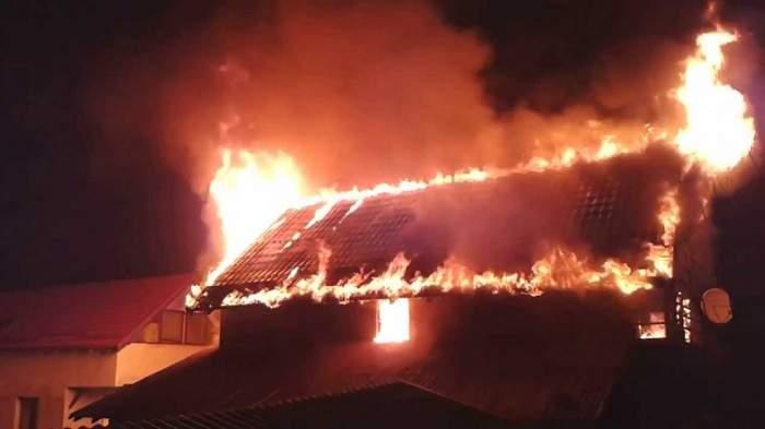 Incendiu devastator în Vaslui! O asistentă a intrat în flăcări pentru a salva un bebeluş aflat în stop cardio-respirator