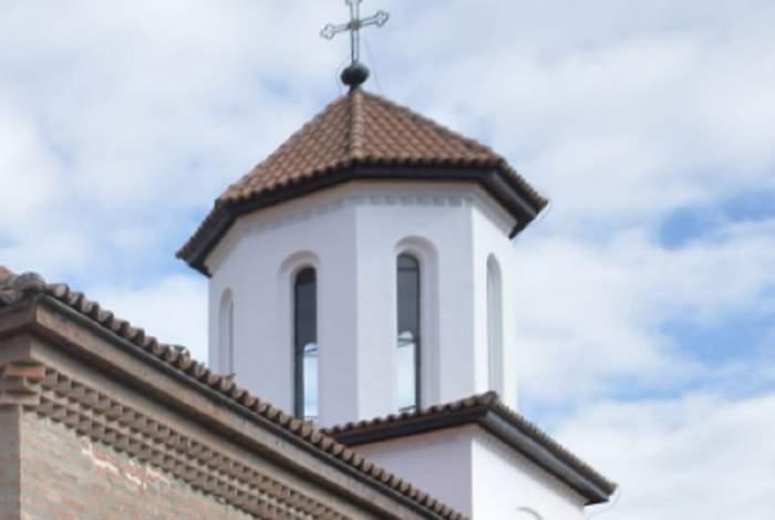 Bărbat, în stare gravă, după ce a căzut din turla unei biserici din Gorj