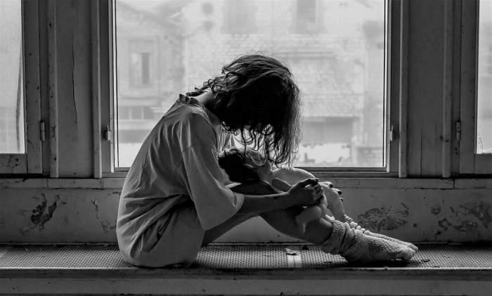 Scenariu tragic în Moldova! Un bărbat a fost arestat după ce i-a făcut un copil fiicei sale minore