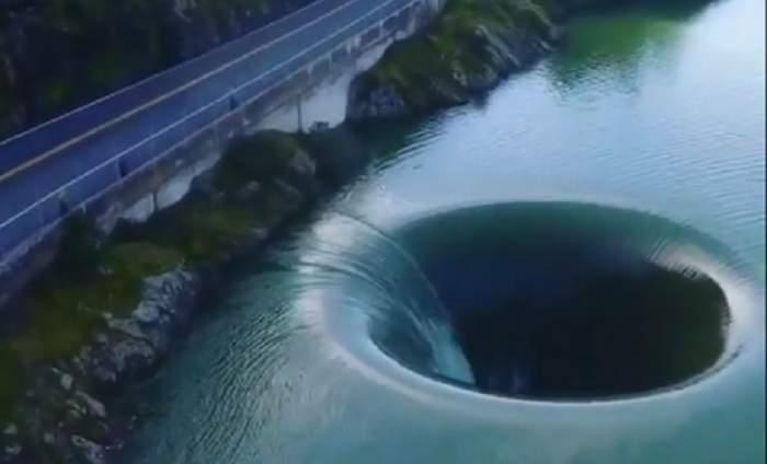 Imagini spectaculoase, în California. Ce a apărut într-un lac, după ce a plouat abundent. VIDEO