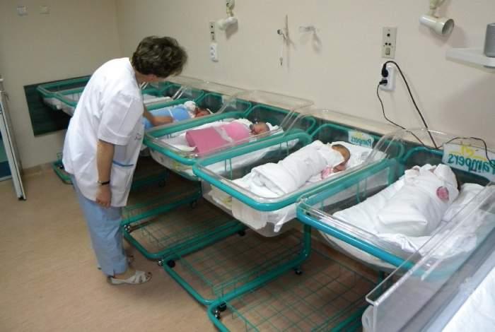 Caz unic în lume! O tânără a născut șase bebeluși în numai nouă minute
