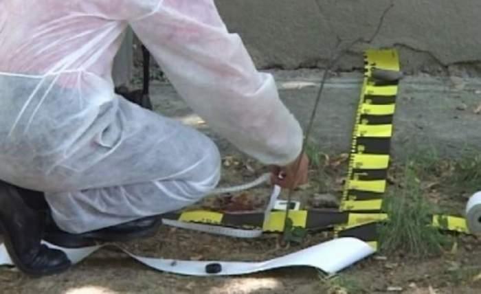 Crimă în Prahova! Un bărbat și-a înjunghiat tatăl și a anunțat poliția după ce a dormit două ore lângă cadavru
