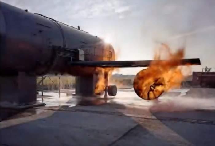 Momente de panică pentru pasagerii unui avion! Aeronava a fost cuprinsă de flăcări