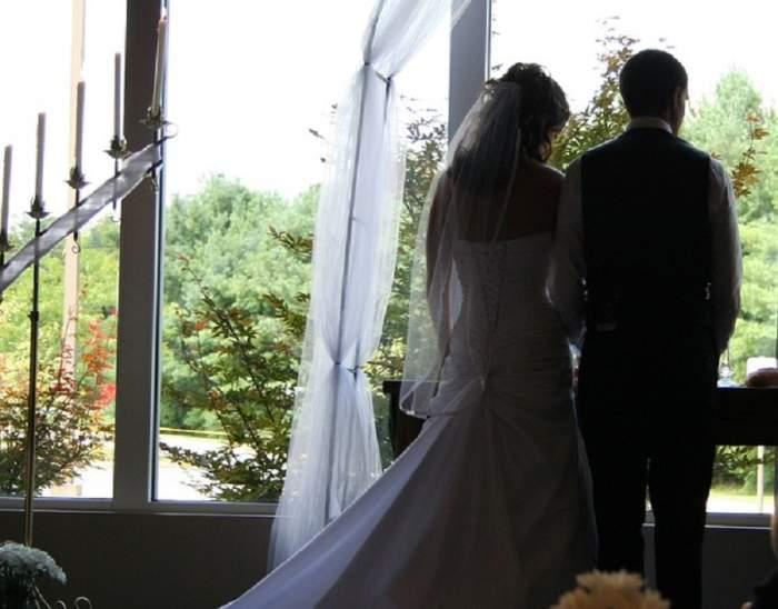 Caz șocant! O proaspătă mireasă a încercat să-și ucidă soțul, la numai 20 de zile de la nuntă. L-a avut complice pe fostul iubit!