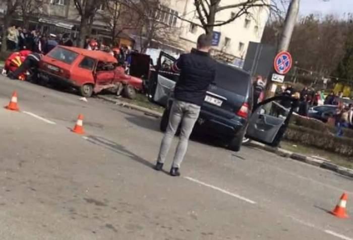 Bărbat mort, după ce două mașini s-au făcut praf, în centrul Zalăului
