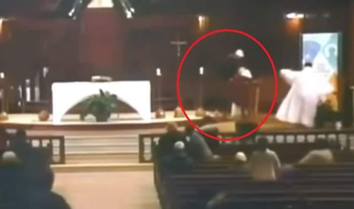 Șocant! Un preot este înjunghiat în biserică, în timpul slujbei. VIDEO