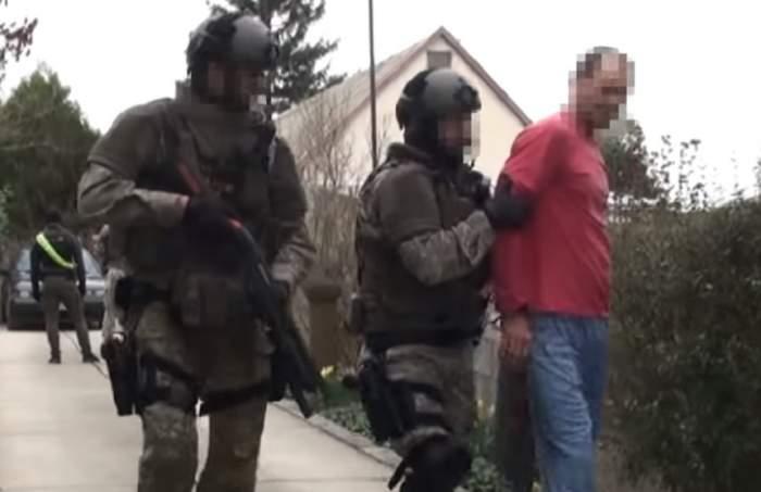 Momente terifiante pentru un român, în Ungaria! Un şofer l-a blocat şi l-a ameninţat cu pistolul / VIDEO