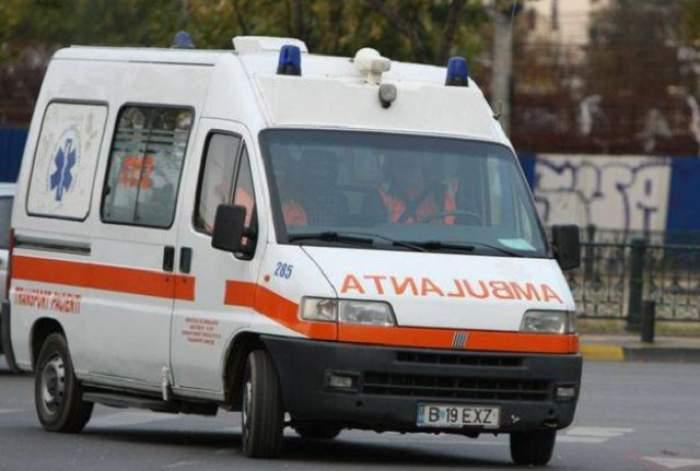 Fetiță din Bacău, de urgență la spital după ce i-a căzut televizorul în cap. Anul trecut îi căzuse frigiderul