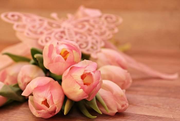8 martie, ziua femeii. Mesaje, sms-uri și felicitări deosebite de ziua mamei