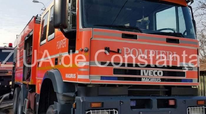 Incendiu de proporții pe o plajă din Constanța! Pompierii intervin de urgență